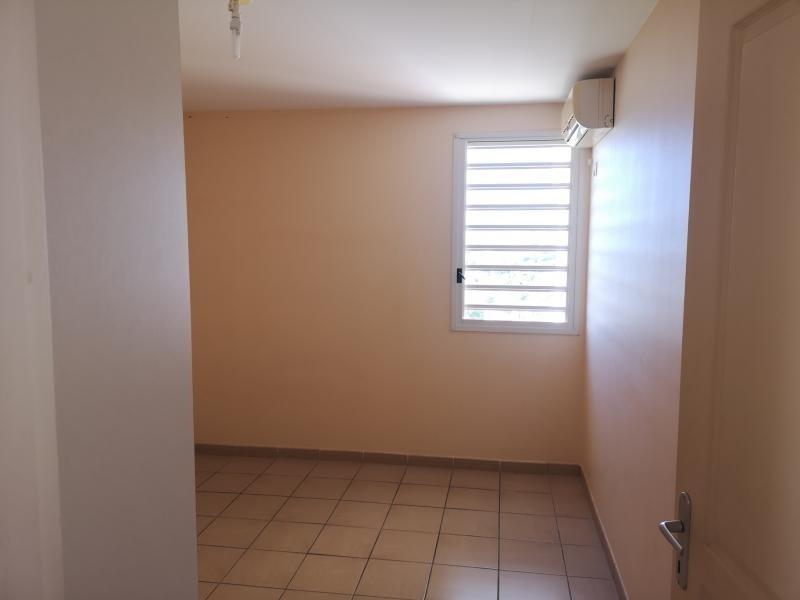 Locação apartamento Fort de france 875€ CC - Fotografia 10