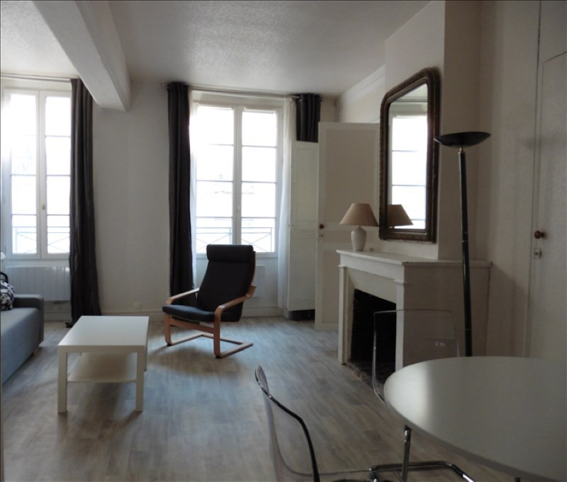 Rental apartment St germain en laye 980€ CC - Picture 1