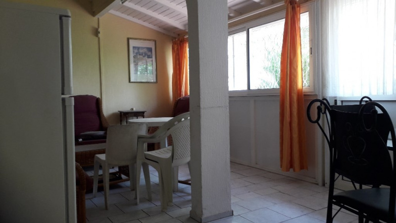Rental apartment Saint francois 700€ CC - Picture 1