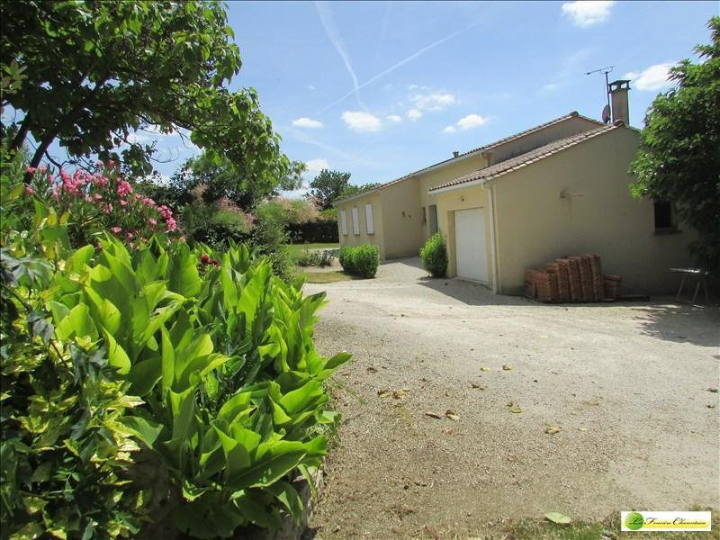 Sale house / villa Aigre 133000€ - Picture 9