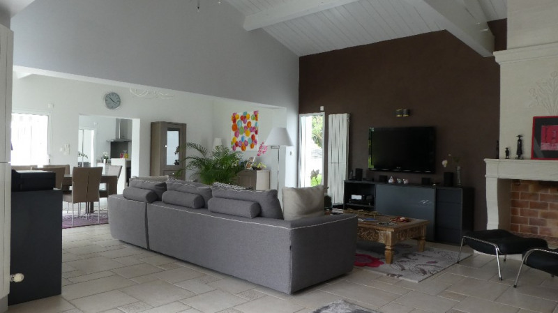 Deluxe sale house / villa Marsilly 875 000€ - Picture 2
