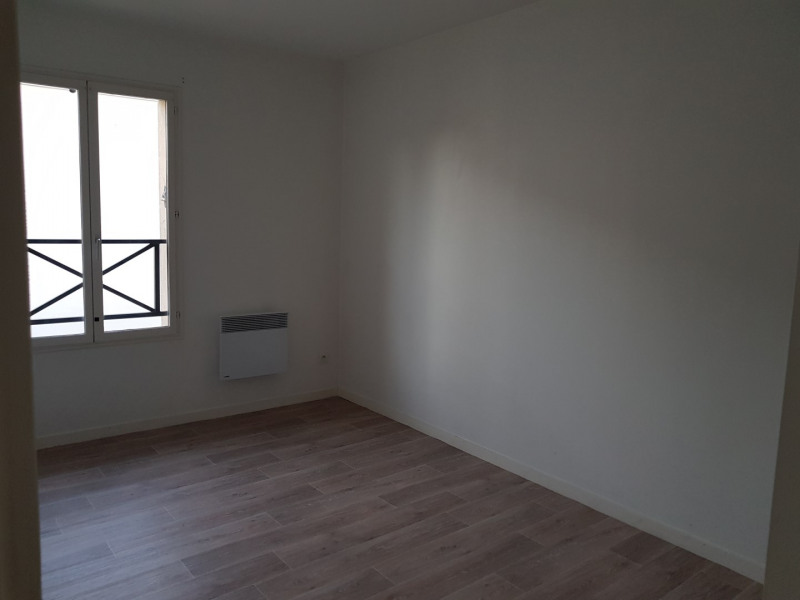Location maison / villa Castres-gironde 740€ CC - Photo 14