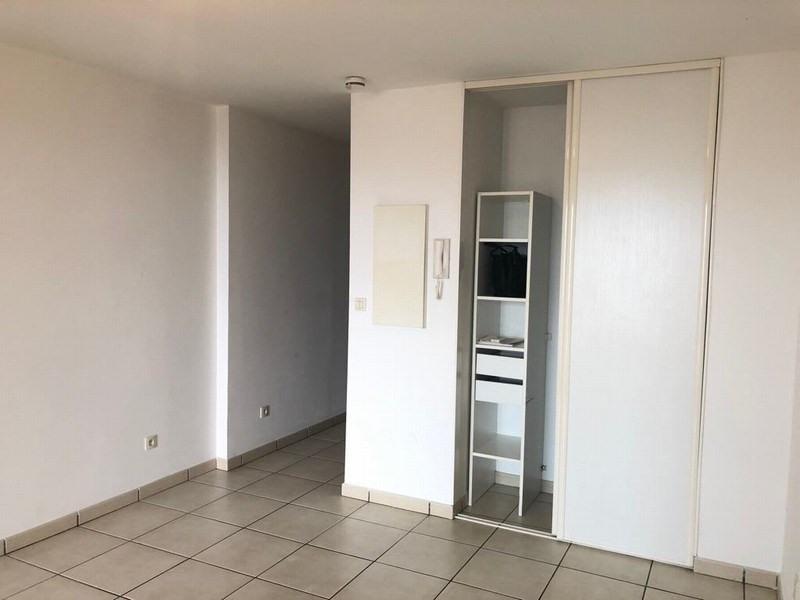 Location appartement Ste clotilde 424€ CC - Photo 3