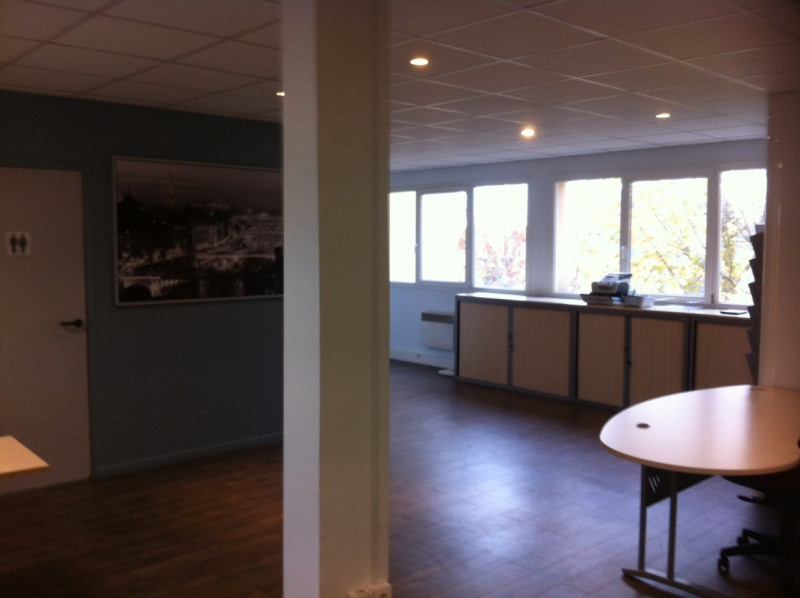 Sale office Montesson 245 000€ HT - Picture 2