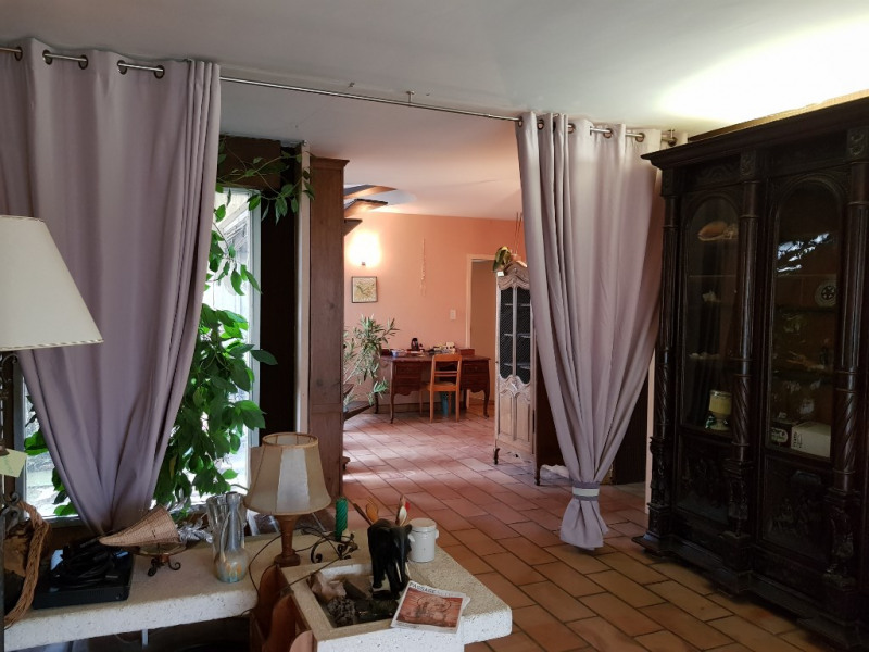 Sale house / villa Le passage 205 000€ - Picture 5