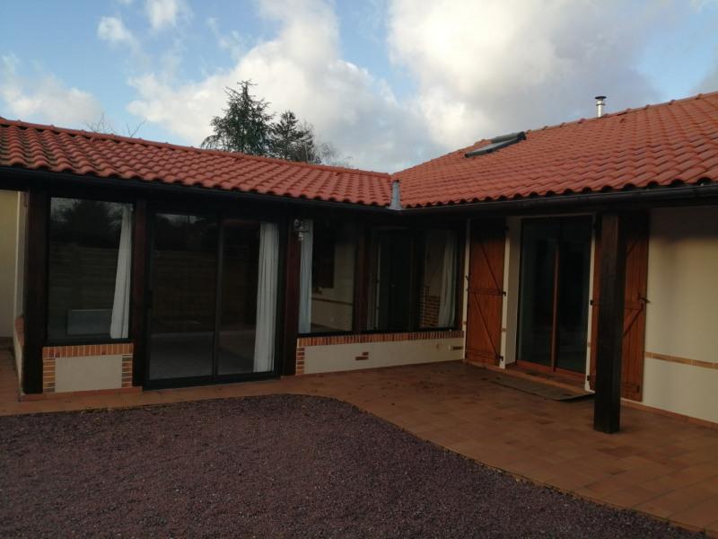 Sale house / villa Montbert 269000€ - Picture 2