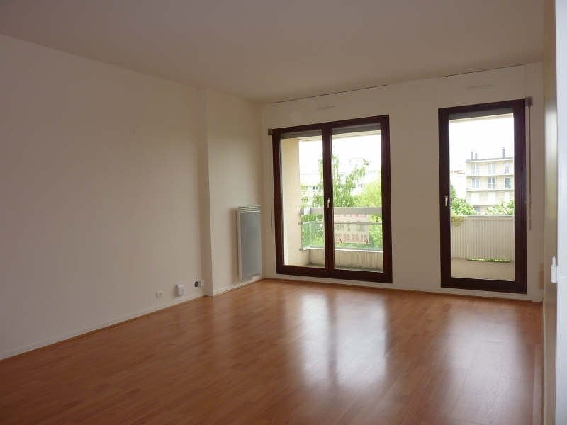 Rental apartment L hay les roses 862€ CC - Picture 6