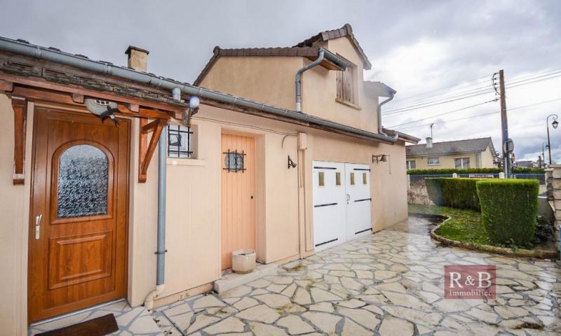 Sale house / villa Les clayes sous bois 320000€ - Picture 2