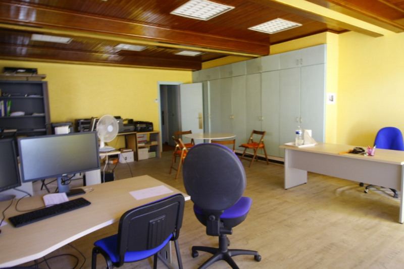 Location local commercial Gan 860€ HC - Photo 2
