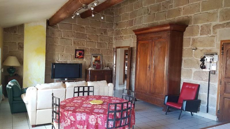 Sale apartment Vauvert 149000€ - Picture 2