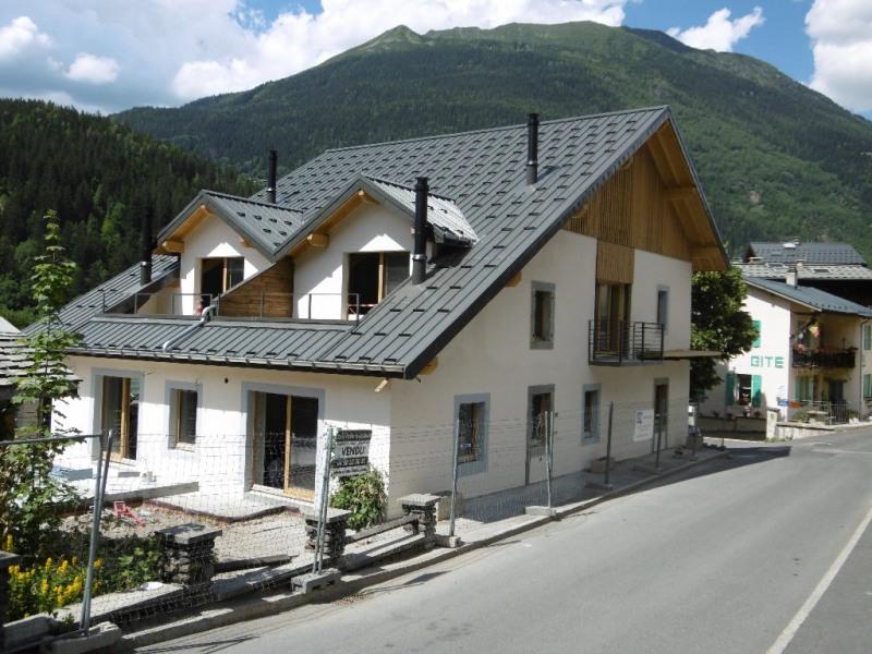 Sale apartment Les houches 400000€ - Picture 1
