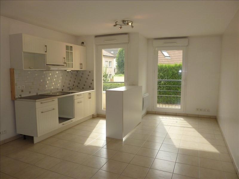 Rental apartment Claye souilly 765€ CC - Picture 2