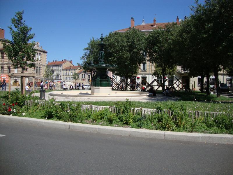 Sale apartment Bourg-en-bresse 99000€ - Picture 1