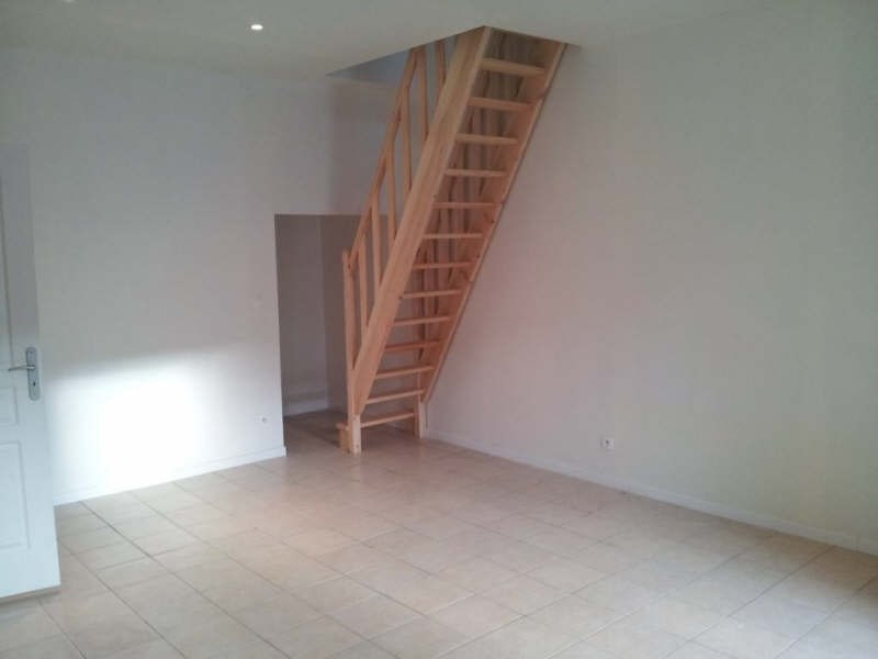 Location appartement Bornel 545€ CC - Photo 2