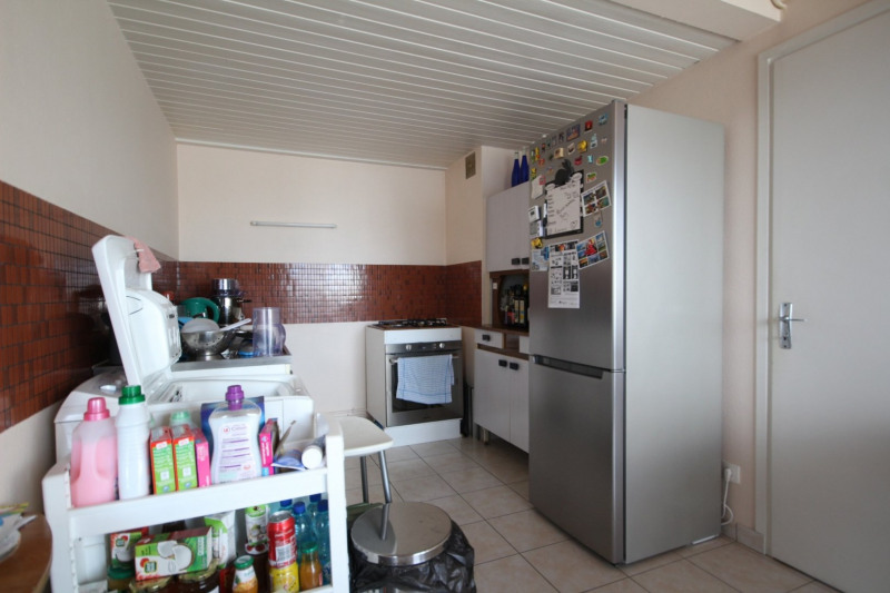 Location maison / villa La roche sur yon 722€ CC - Photo 3