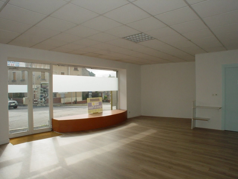 Location local commercial Montfaucon en velay 350€ CC - Photo 3