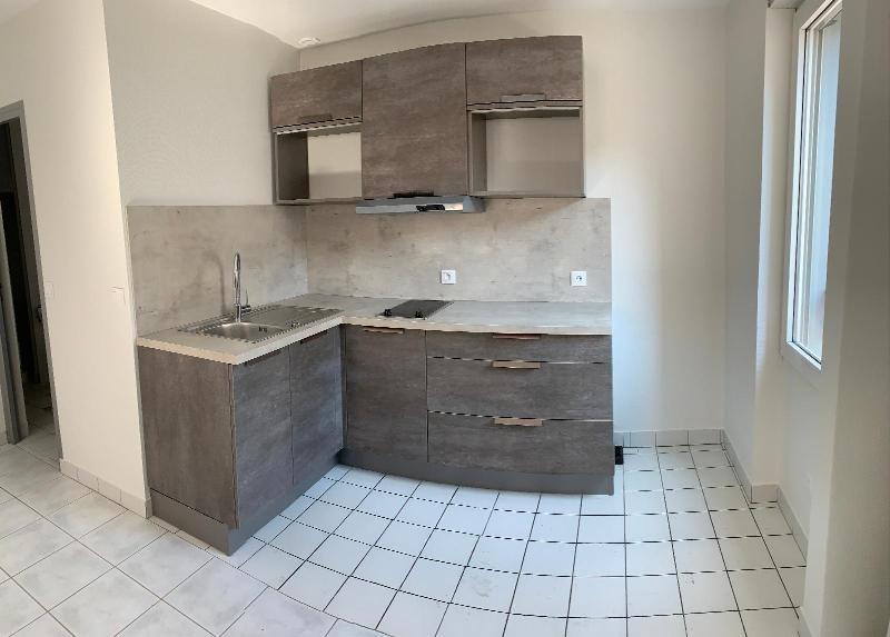 Affitto appartamento Pontcharra 392€ CC - Fotografia 3