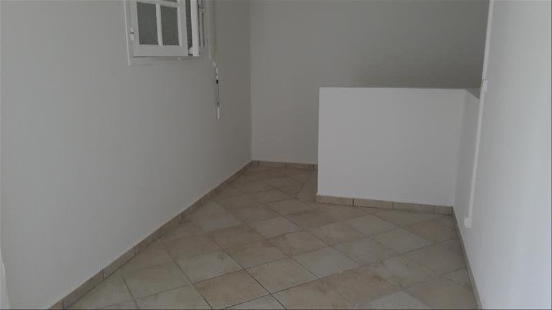 Location appartement Saint francois 850€ CC - Photo 4