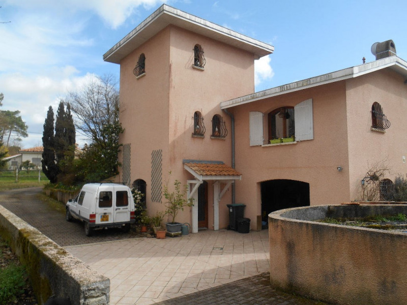 Deluxe sale house / villa La brede 920000€ - Picture 3