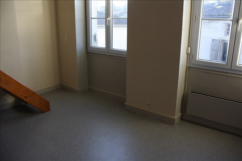 Location appartement Langon 343€ CC - Photo 2