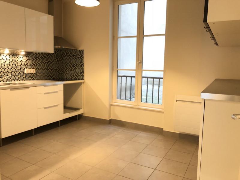 Rental apartment Paris 2ème 2326€ CC - Picture 6