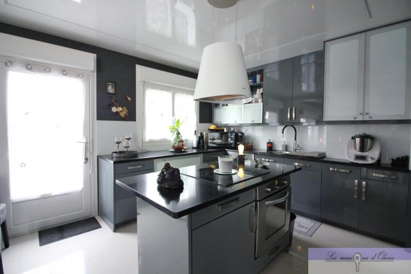 Vente maison / villa Roissy en brie 500000€ - Photo 2