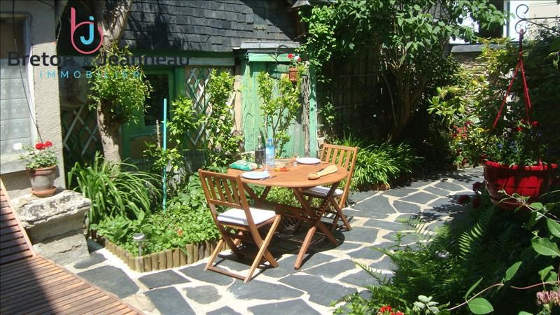 Sale house / villa Chateau gontier 145600€ - Picture 1