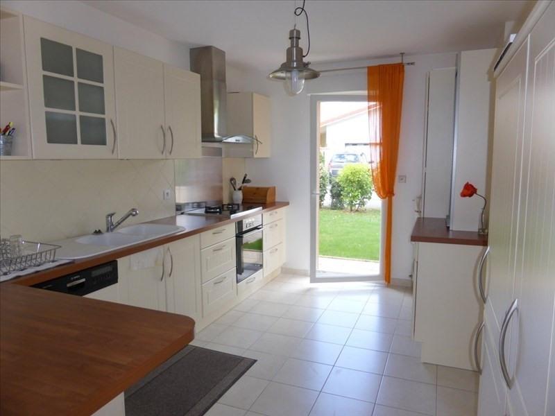 Location maison / villa Ornex 2485€ CC - Photo 3