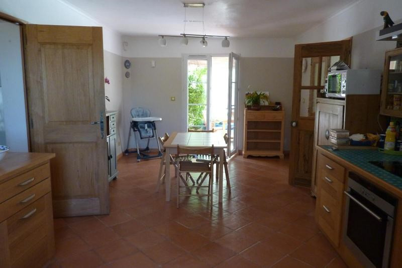 Location maison / villa Mimet 1 898€ CC - Photo 3