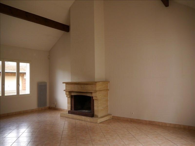Location maison / villa Le mesnil le roi 2396€ CC - Photo 3