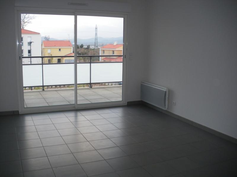Rental apartment Fréjus 755€ CC - Picture 1