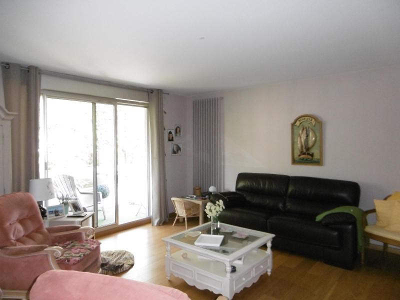 Sale apartment Cusset 139 000€ - Picture 1
