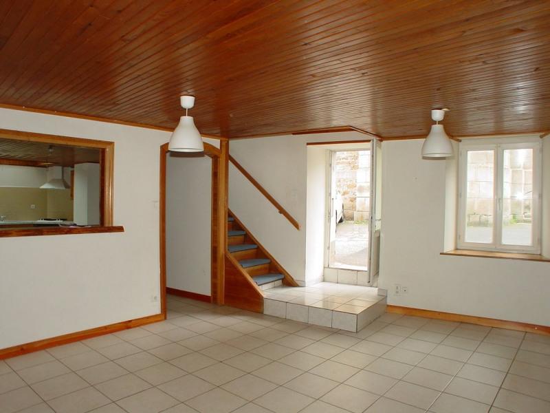 Sale house / villa Montfaucon en velay 76000€ - Picture 2