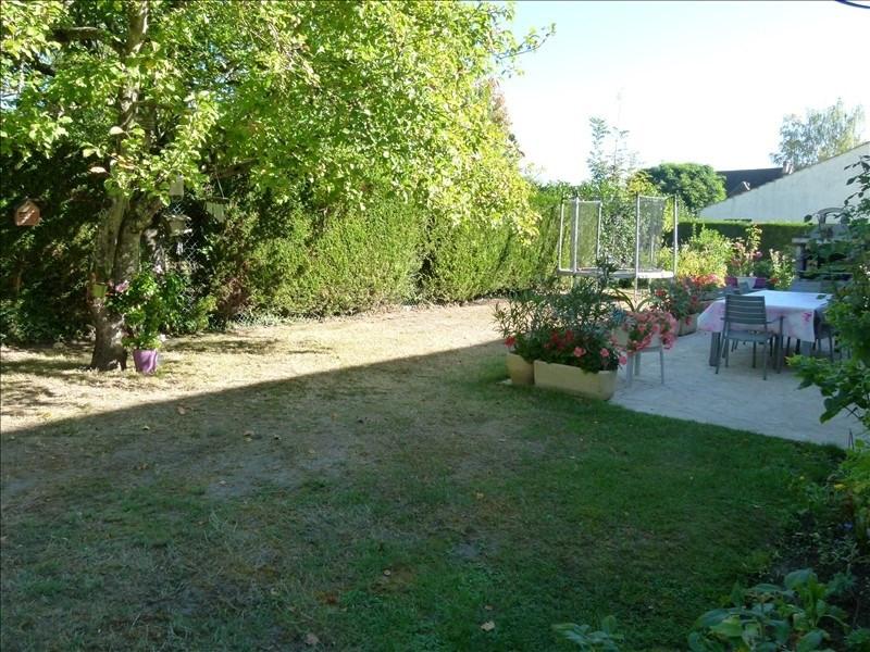 Sale house / villa Montfort l amaury 470000€ - Picture 2