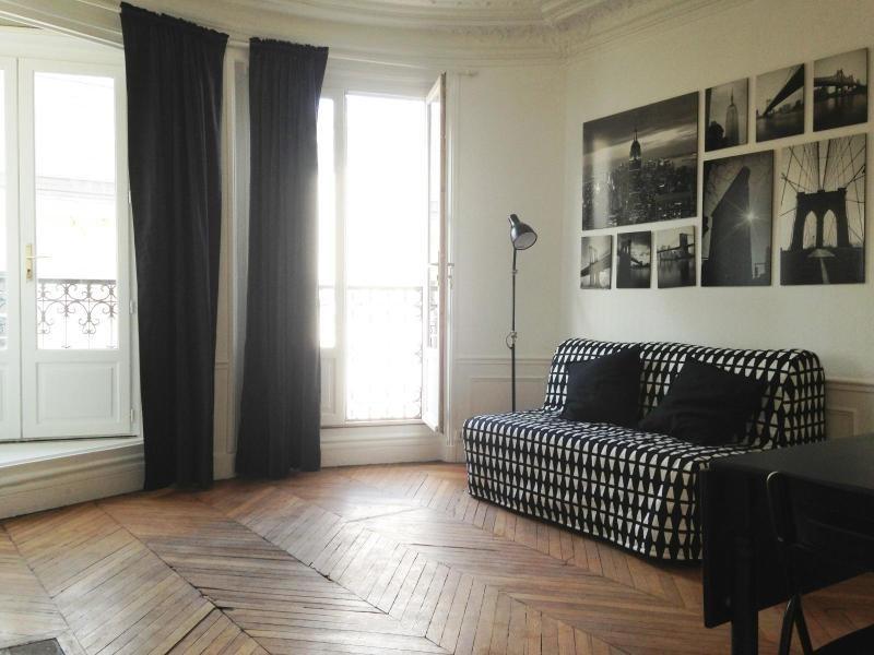 Location appartement Paris 5ème 1130€ CC - Photo 1