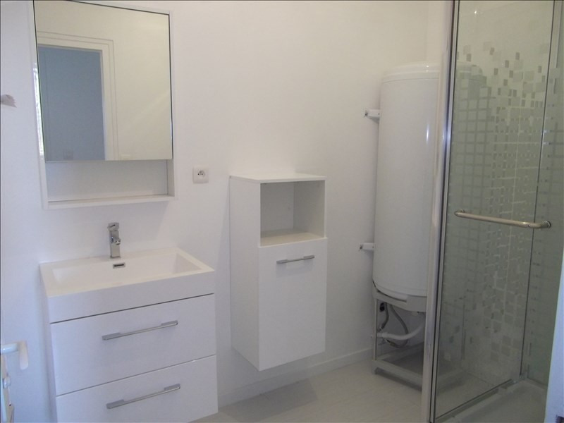 Rental apartment Yenne 470€ CC - Picture 3