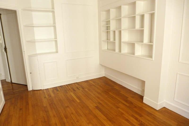 Rental apartment Paris 950€ CC - Picture 2