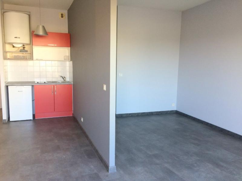 Rental apartment La rochelle 605€ CC - Picture 2