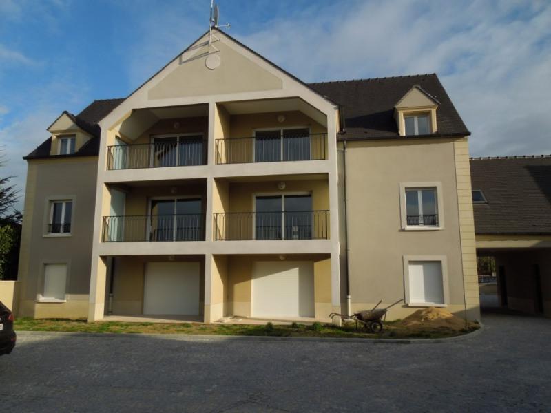 Rental apartment Fontenay tresigny 890€ CC - Picture 1