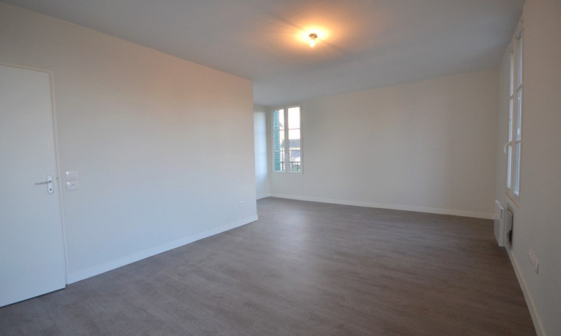 Rental apartment Les clayes sous bois 950€ CC - Picture 2