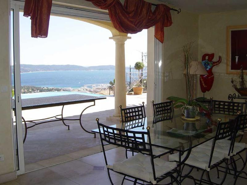 Vacation rental house / villa Cavalaire sur mer 5 500€ - Picture 6