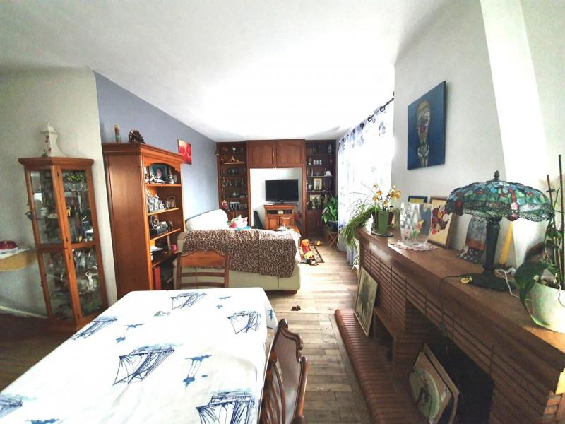 Sale house / villa Barbezieux-saint-hilaire 137800€ - Picture 4