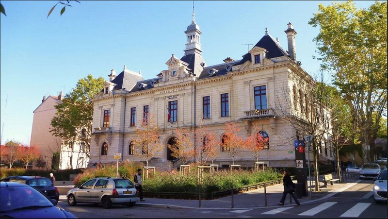 Deluxe sale house / villa Oullins 825 000€ - Picture 1