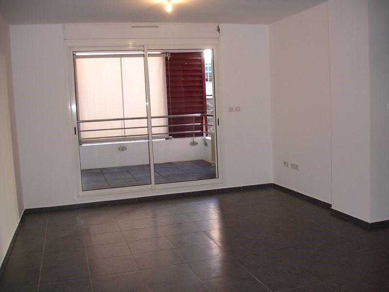 Location appartement Ste clotilde 720€ CC - Photo 3