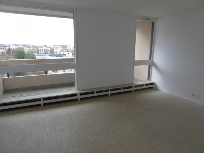 Rental apartment Elancourt 947€ CC - Picture 1