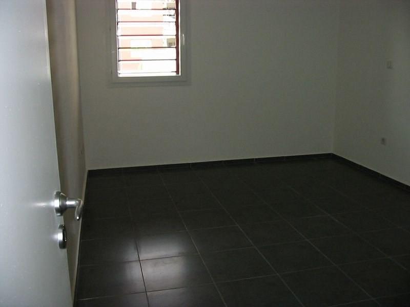 Location appartement Ste clotilde 740€ CC - Photo 5