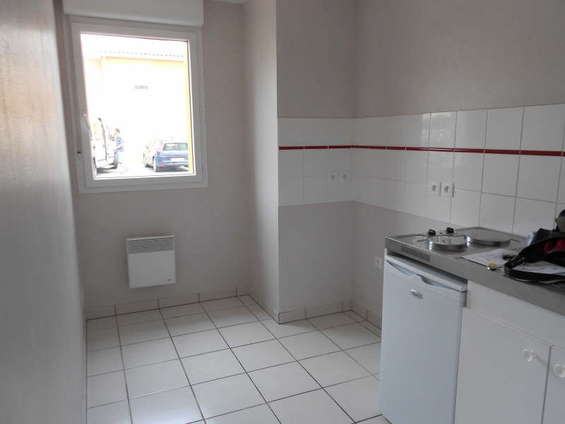 Rental apartment St lys 510€ CC - Picture 4