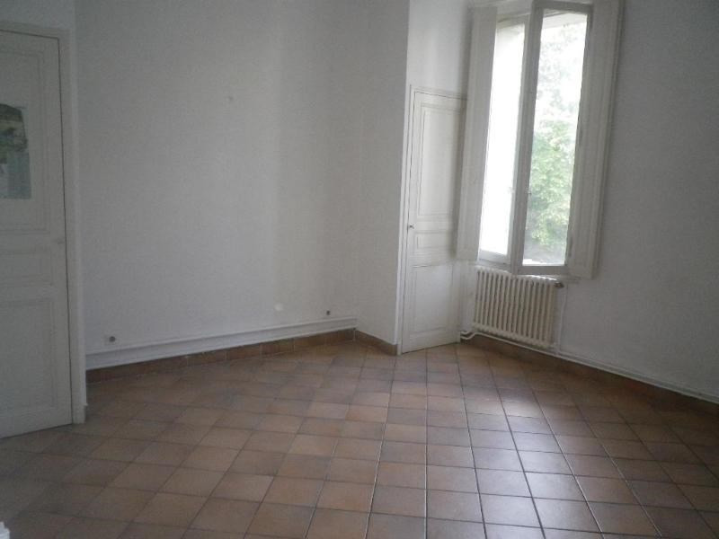 Location appartement Aix en provence 1 060€ CC - Photo 2