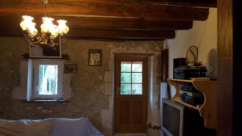 Vente maison / villa La chartre sur le loir 60750€ - Photo 5
