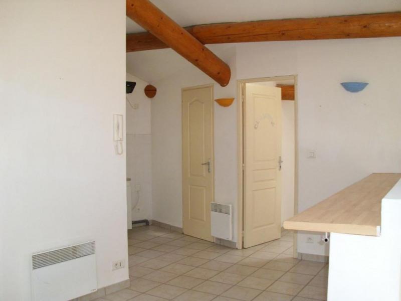 Rental apartment Entraigues sur la sorgue 410€ CC - Picture 4